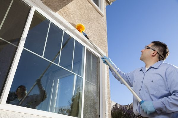How to Find a Window Cleaner for Real Estate Agency's