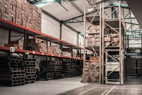 Keep Your Warehouse Operates Efficiently Using Industrial Warehouse Equipment